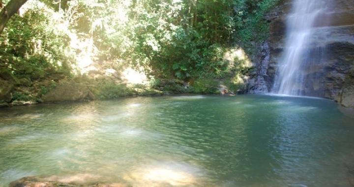 Menino de 5 anos morre afogado ao tomar banho de cachoeira com a família em MT