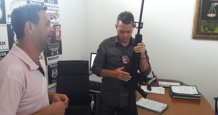 Menor é apreendido com arma furtada de uma loja em Juara nesta terça-feira 19.