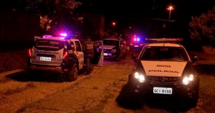 Dois criminosos são presos e um é baleado após tiroteio com policiais militares em Cuiabá