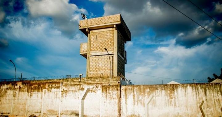 Quatro presos de penitenciária de MT são isolados, passam por exames e resultado descarta coronavírus