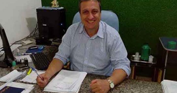 Familiares e amigos se despedem do ex-secretário e empresário Cleirto Sinhorin