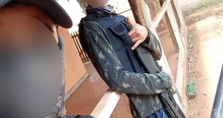 Polícia apreende armas e coletes em área de conflito agrário em MT após denúncia de pessoas armadas no local