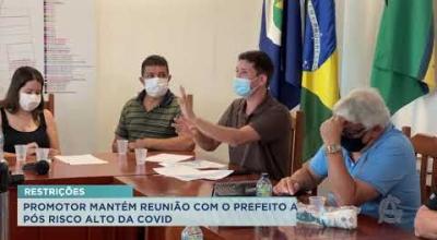 PROMOTOR MANTÉM REUNIÃO COM O PREFEITO APÓS RISCO ALTO DA COVID