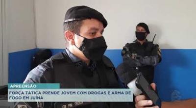 FORÇA TÁTICA PRENDE JOVEM COM DROGAS E ARMA DE FOGO